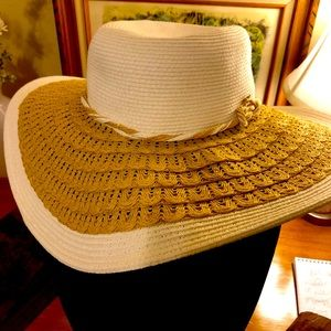 Cappelli Fashion Straw Beach Hat White and Tan